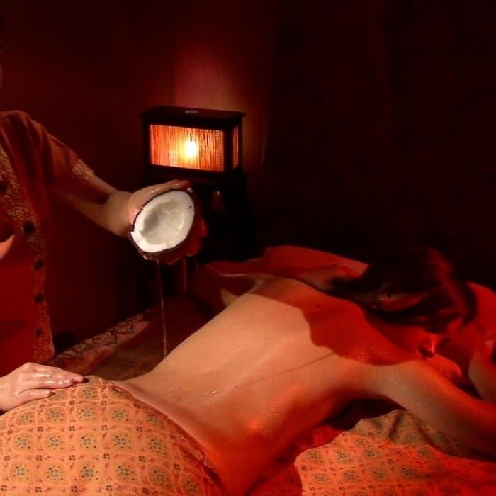 Orient Spa Одесса - массаж спины с кокосовым маслом